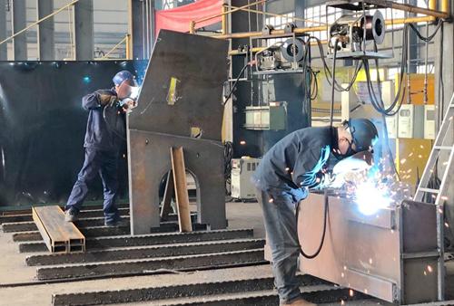 铆焊车间提升管理保质量